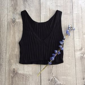 Black ribbed crop top